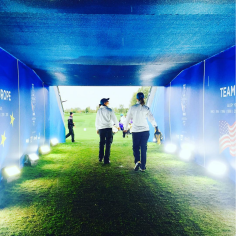 Soaking up the tunnel to the 1st tee!!💙💛💙💛💙💛 what an amazing feeling. Can't wait for tomorrow!!!! Vamos!!!🇪🇸🇪🇸 @SolheimCupEurope @SolheimCup2015 arukillafelgueQue paaaaasadaaa os seguire a FULL GO EUROPEEE VAMOS AZARUKIS 💪💪💪💪