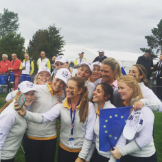 Solheim Cup week! Selfies with the European Jr team! Excitement is building;)) #goeurope @the2015solheimcup #germany #homesoil #bringiton