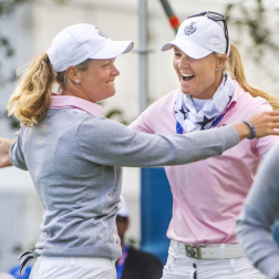 Love all the emotions Solheim Cup brings out of you. Amazing finish to Pettersen/Hull match this morning! #TeamEurope #Vamos 💙💛 @suzannpettersen